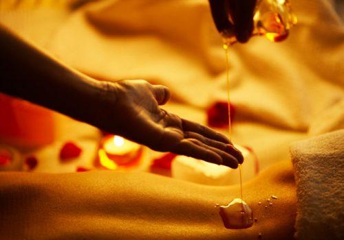 massaggio-olii-essenziali